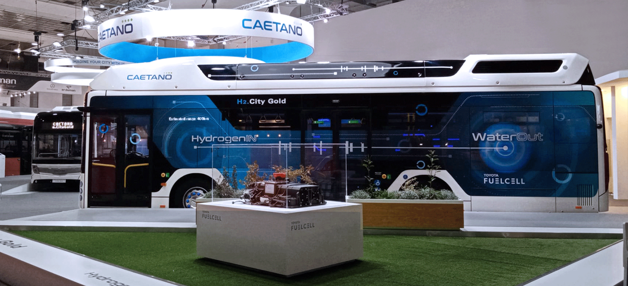 cb_stand-busworld_2019_site-4png