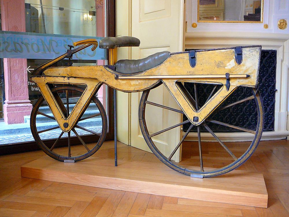 ahşaptan imal edilmiş ilk bisiklet