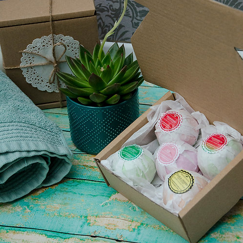 5 Randomly Chosen Bath Bombs Collection in a Gift Box, Vegan