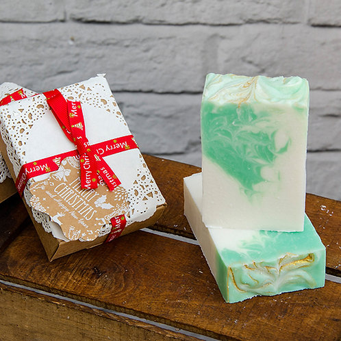 Winter Fir Handmade Soap, wrapped in Christmas Gift Box, Christmas Gift with Rib