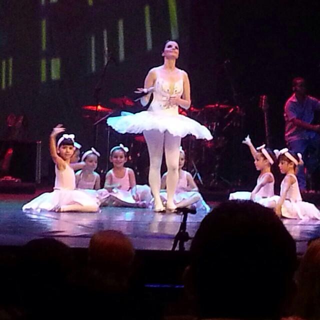 Instagram - Cena da gravação do DVD no Teatro de Santa Isabel!!! Foi um espetácu