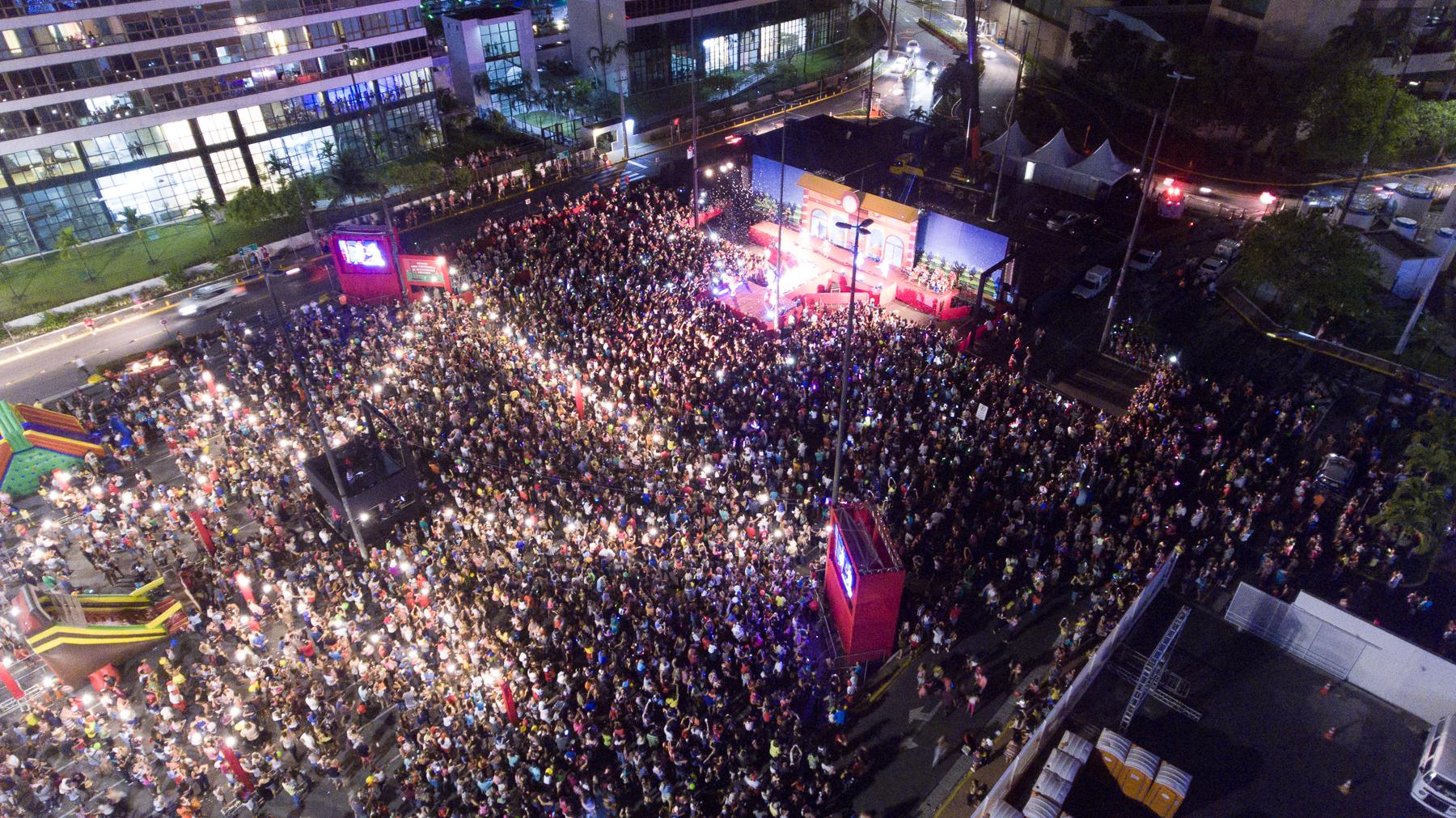 Olha a multidão!