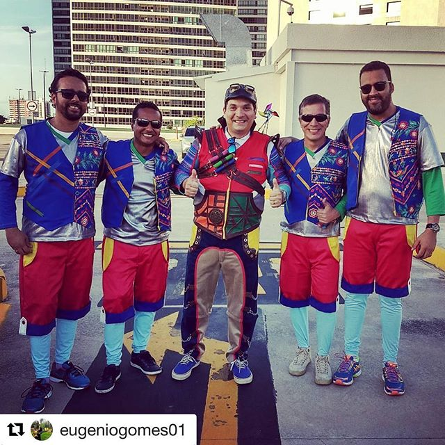 #Repost _eugeniogomes01 with _get_repost_・・・_Carnaval shopping Recife 2018 _tiobruninho ..