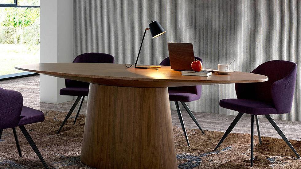 Mesa de comedor ovalada de madera 1013