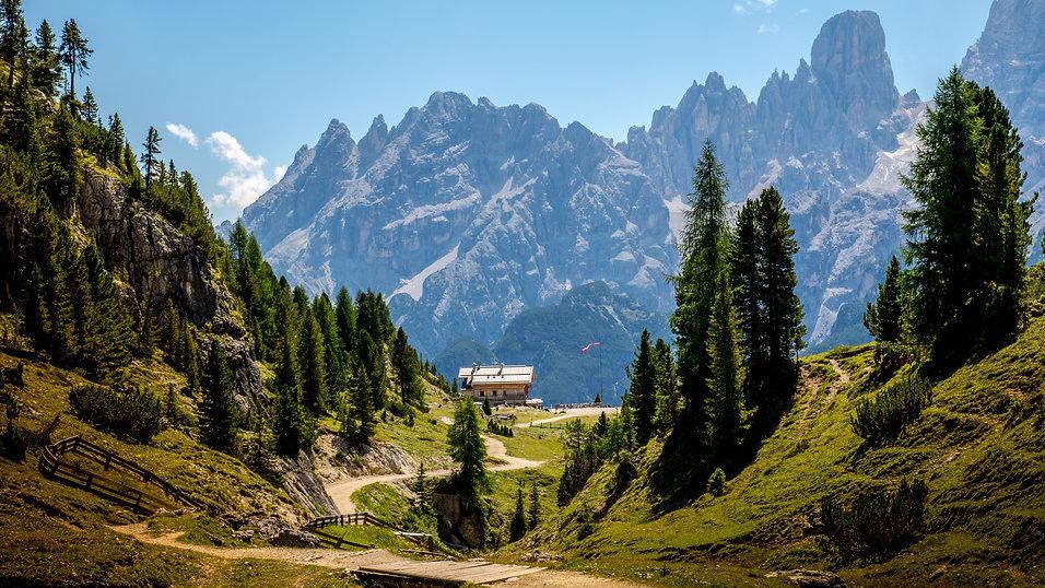 Dolomites-Italy-Alps-camp-trees_5120x2880.jpg