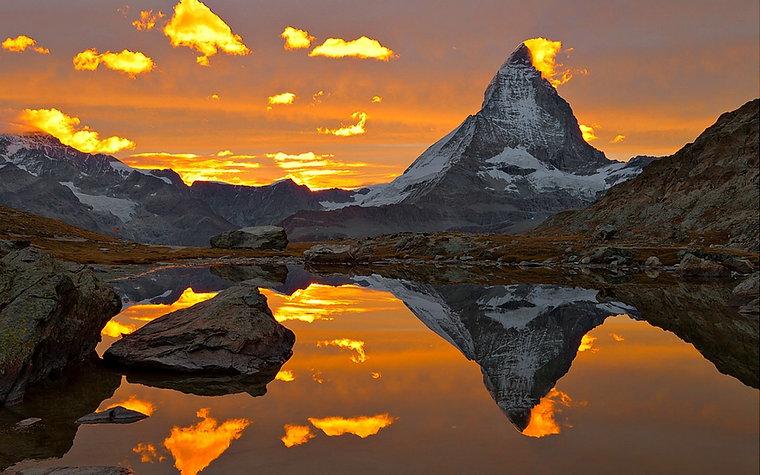 Matterhorn_Sunset_Point_of_Mountain_in_Z