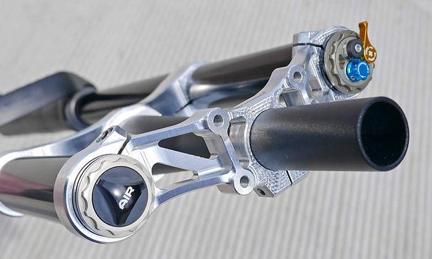 Formula-Selva-XL-FR-180mm-fork_lightweight-enduro-freeride-double-crown-MTB-fork_Mountain-