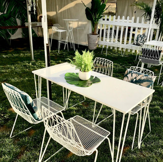 Hairpin Table with Arrow Chairs