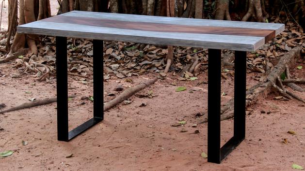 Wood & Concrete - Metal legs