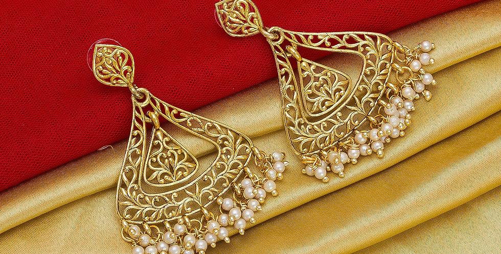 Heavy Designer Pair Of Earrings In Golden Color