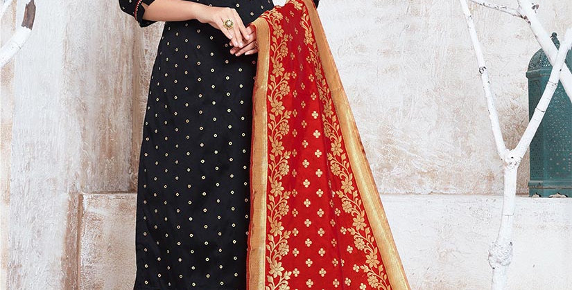 Hera is A  Pretty Designer Black and Red Color  Straight Salwar Suit