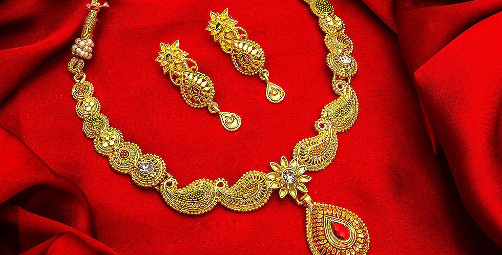 Golden Color Beautiful Necklace Set With Stone Work