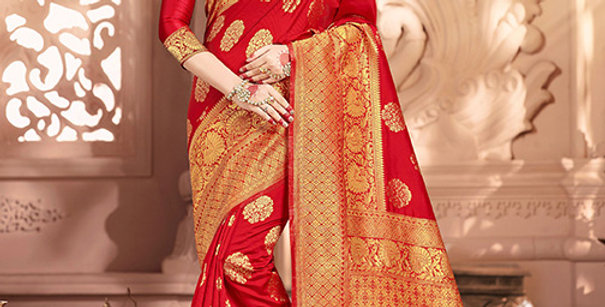 Uniqe Style Pretty Designer Red Colored Heavy�Weaved Saree with Blouse