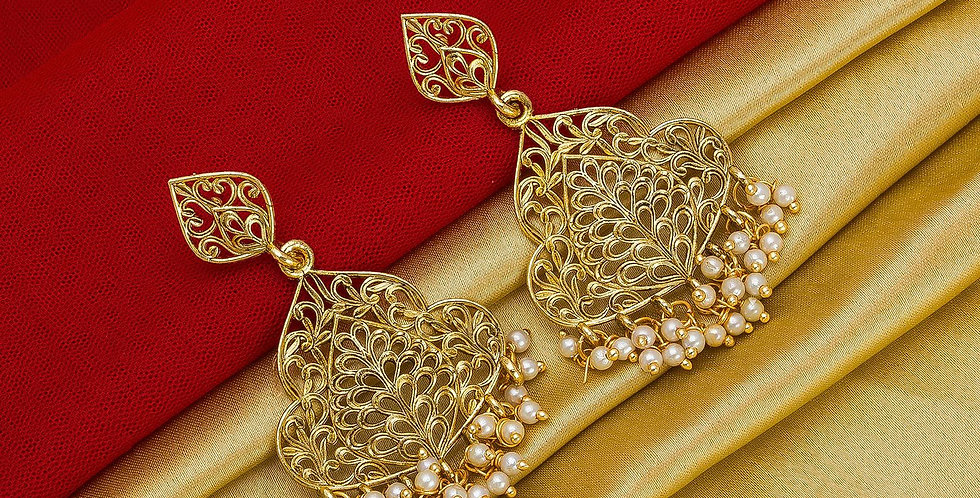 Heavy Designer Pair Of Earrings In Golden Color