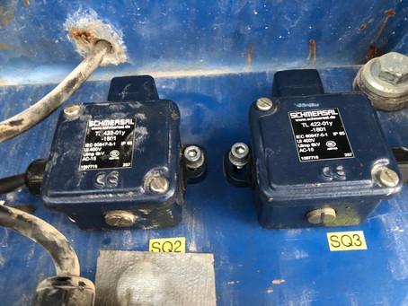 Приборы безопасности SCHMERSAL TL422-01Y-M20 подъёма и опускания мачтового подъёмника Stros nov 2032