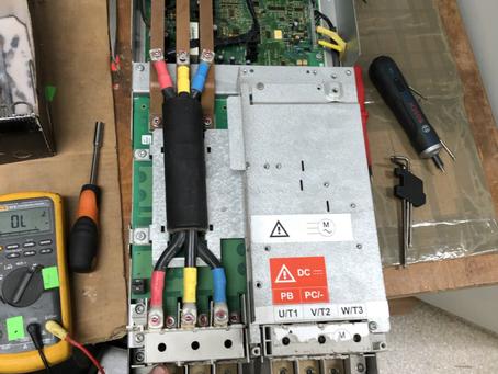 Инвертер (частотный преобразователь) Schneider Electric ATV71HD30N4