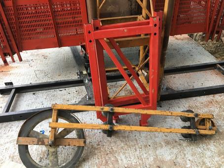 Монтаж и демонтаж мачтового подъёмника SC200 Китай.