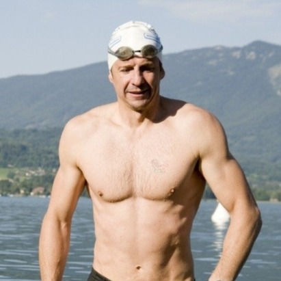 OPEN WATER WITH GREG WHYTE Shared room
