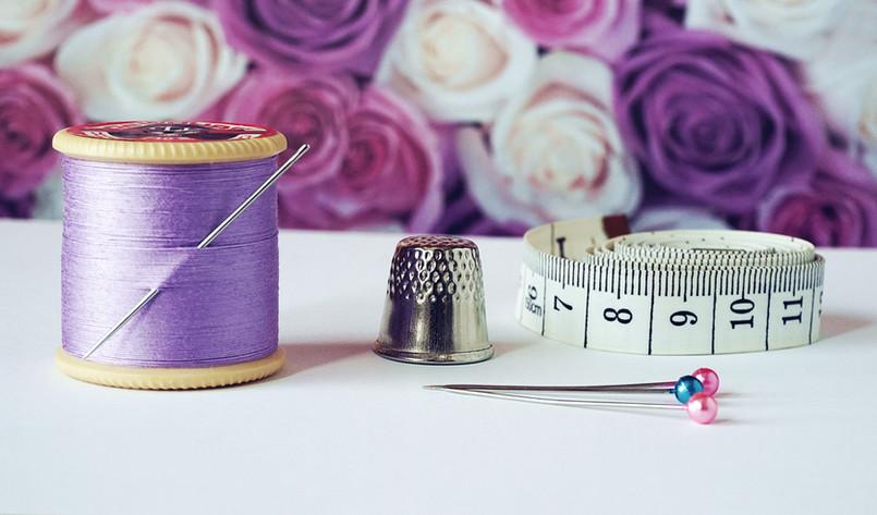 arts-and-crafts-bobbin-close-up-1266139.