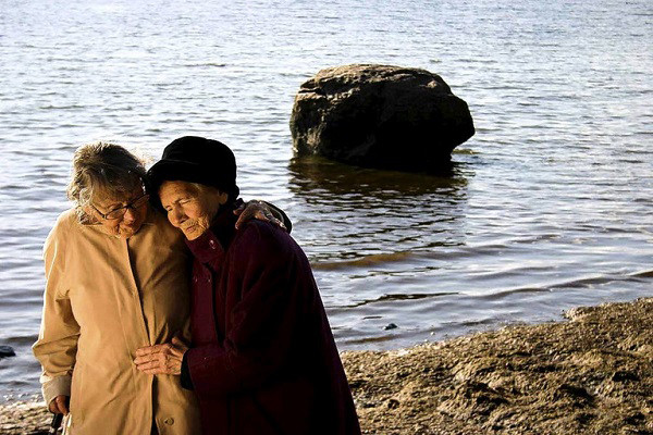 Sisters Across the Gulf of Finland