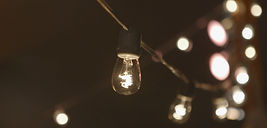 Edison Bulbs and stylish Wedding Decor