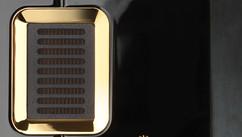 Steinway Lyngdorf Model S-15 теперь доступна для заказа в лаке и золотыми элементами.