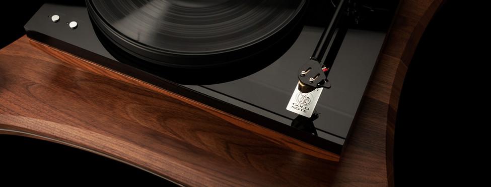 Проигрыватель виниловых пластинок Gold Note Giglio - основание из массива ореха