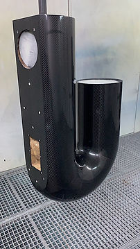 корпус-из-карбона---BAYZ-Audio-Courante.