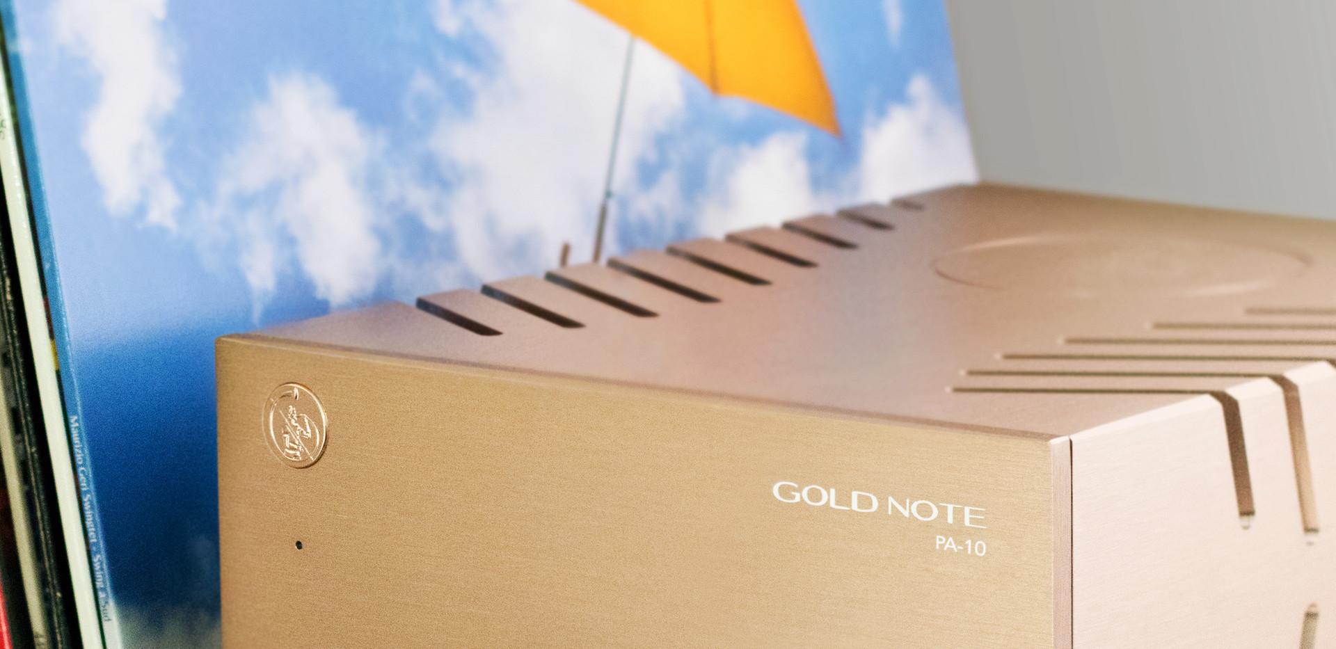 Gold Note PA-10 с виниловой пластинкой