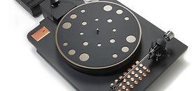 Zavfino turntable Copperhead - самый красивый проигрыватель виниловых пластинок. Комплект с тонармом. Черный с золотом.