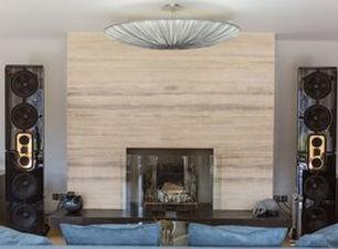 Steinway Lyngdor Model D инсталляция в гостиной. Стерео система.