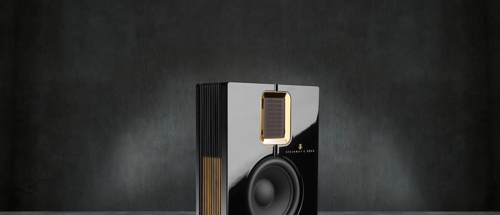 Steinway Lyngdorf Model S-15 - черный лак, золото матовое, рамка - золото глянцевое
