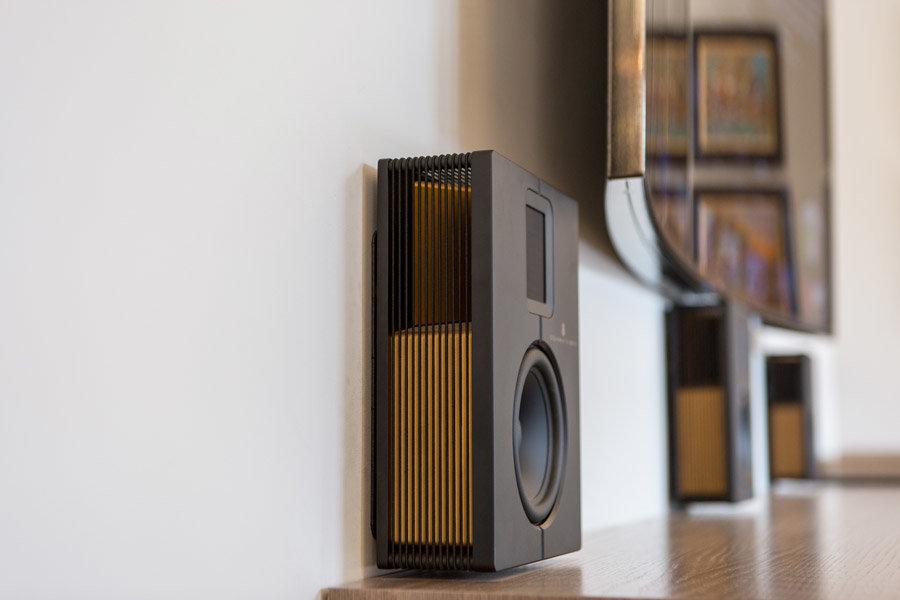 Лучшие плоские небольшие акустические системы для доашнего кинотеатра Steinway Lyngdorf S-15,
