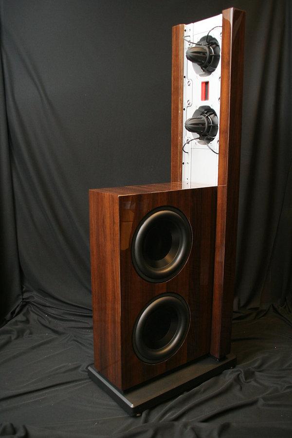 Акустические системы в отделке ценными породами дерева, лушая небольшая High-End акустика с выборм отделок, Steiway Lyngdorf custom,