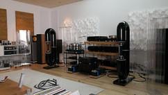 Добавлен перевод статьи о акустических системах BAYZ Audio Courante