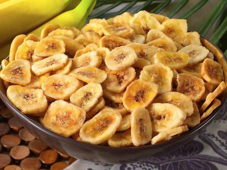 Snack de banana verde