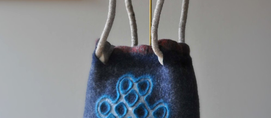 フェルトバッグの作り方:肩紐、ポケット、縫わずに一体化