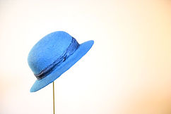 わたしの青空 本建て正藍染  シャポーチホレーヌ鎌倉ハンドフェルトの藍染めウール帽子  正藍染シルクリボン