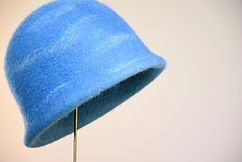 しあわせの青いベル クロッシュダブルブリム 本建て正藍染  シャポーチホレーヌ鎌倉ハンドフェルト藍染め帽子