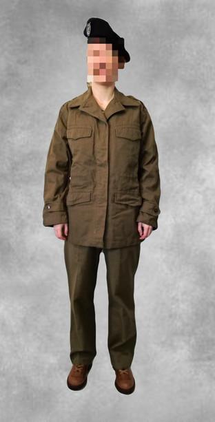 Uniforme feminin armée française 50-60