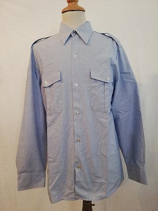 Chemise armée de l'air bleu claire.