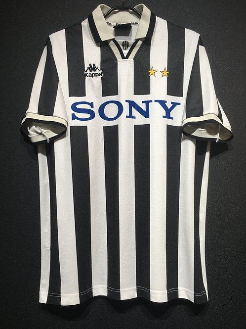 【1996/97】 / Juventus / Home / Phase1