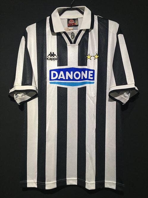 【1994/95】 / Juventus / Home / No.10 / Reproduction