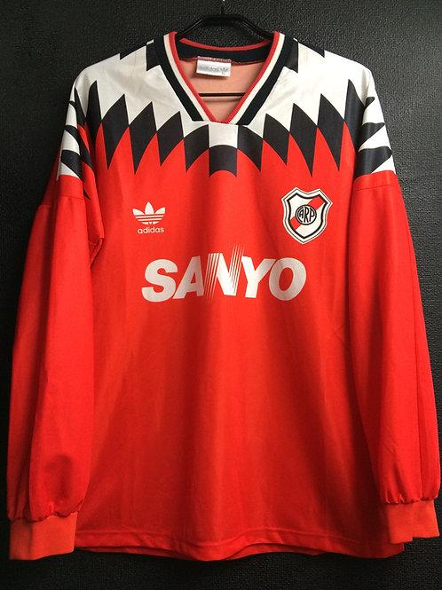 【1994/95】 / River Plate / Away / No.8