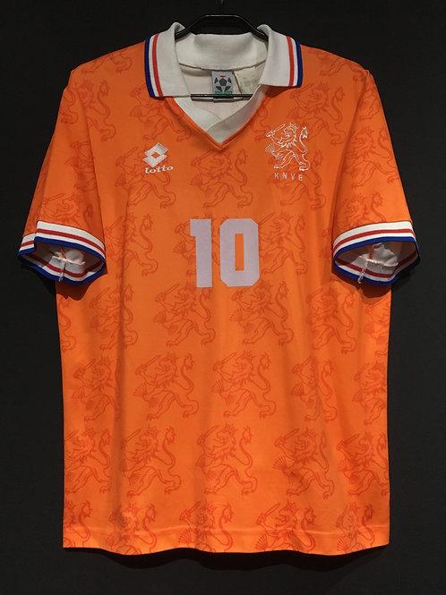 【1994/95】 / Netherlands / Home / No.10 BERGKAMP