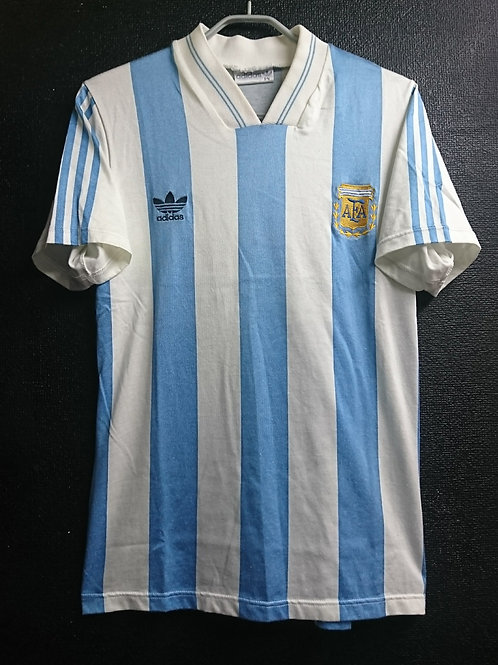 【1993】 / Argentina / Home