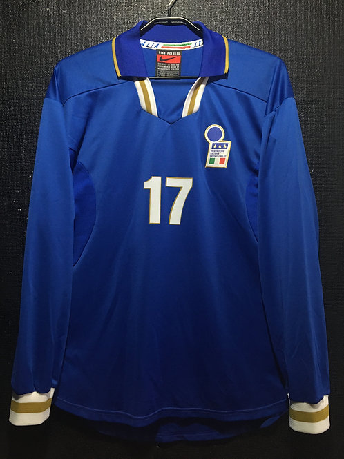 【1997】 / Italy / Home / No.17 / Player Issue