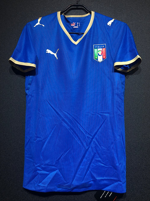 【2008/09】 / Italy / Home / Authentic