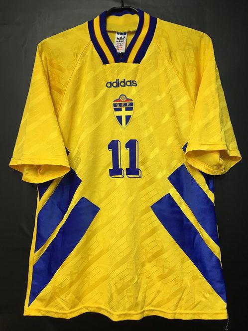 【1994/95】 / Sweden / Home / No.11 BROLIN