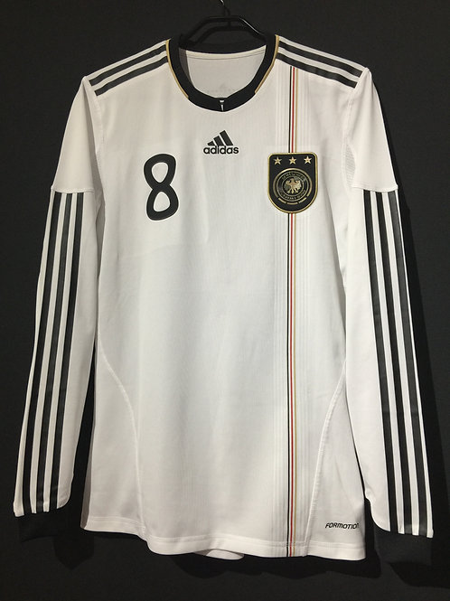 【2010/11】 / Germany / Home / No.8 OZIL / Player Issue